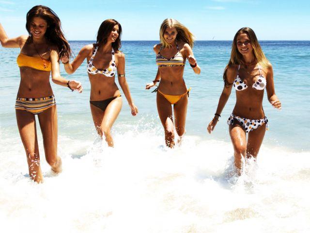 Фото лето девчонки пляж